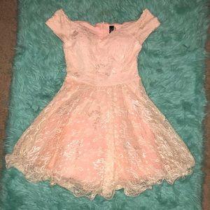 Windsor blush pink lace dress   size M